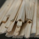 деревянный плинтус из дуба и сосны